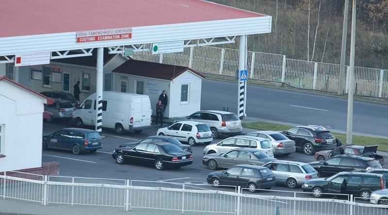 Чтобы часами не стоять на границе: Госпогранкомитет запустил новый сервис